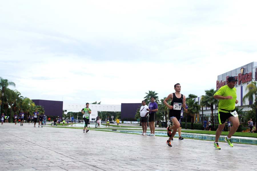 Carrera Lagos Del Sol En Cancun